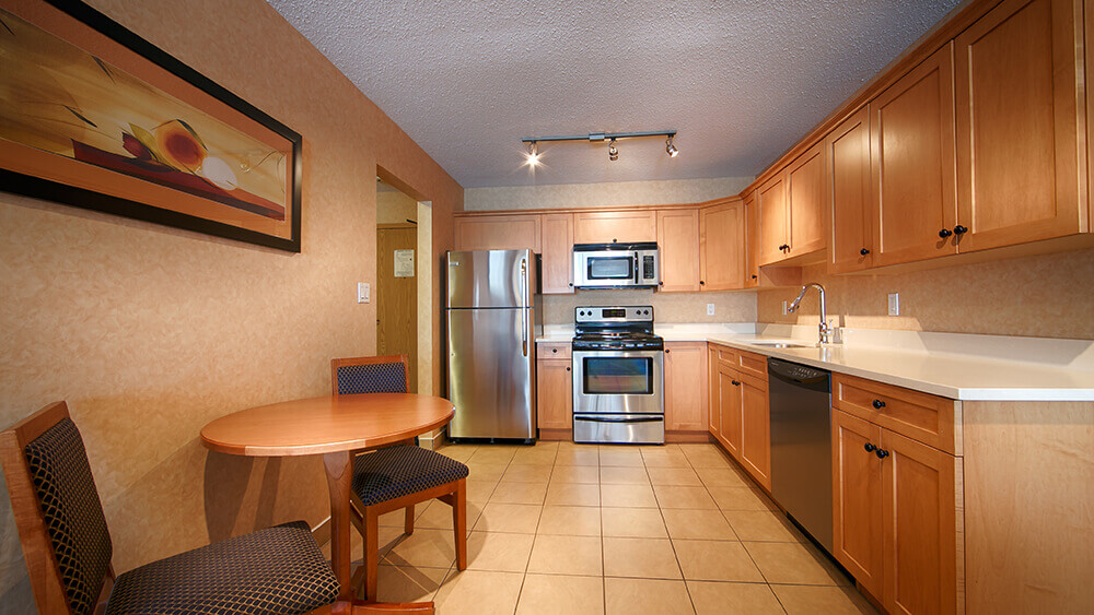 executive-kitchen-with oven